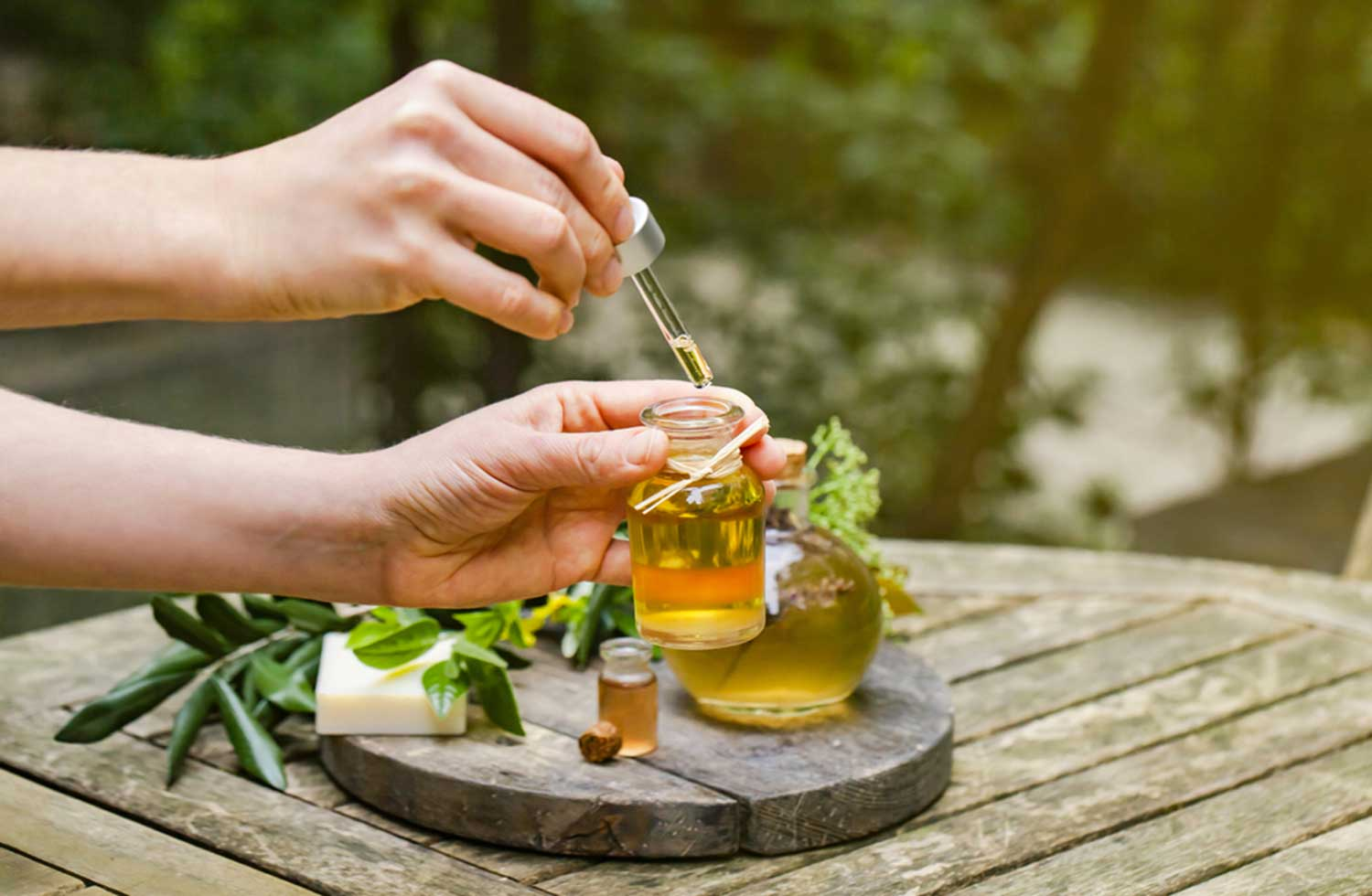 Best-Essential-Oils-for-Dry-Skin
